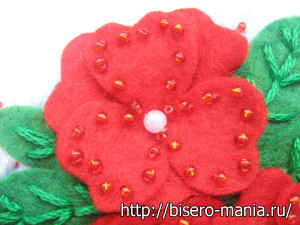 цветы из остатков красного фетра