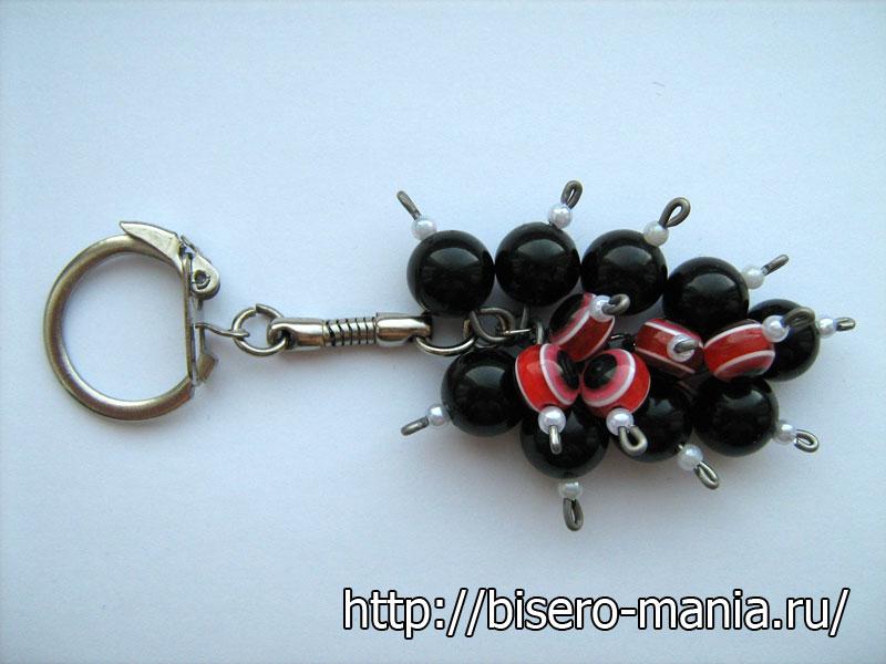 виноградная гроздь из бусин