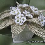 белые цветы из бисера